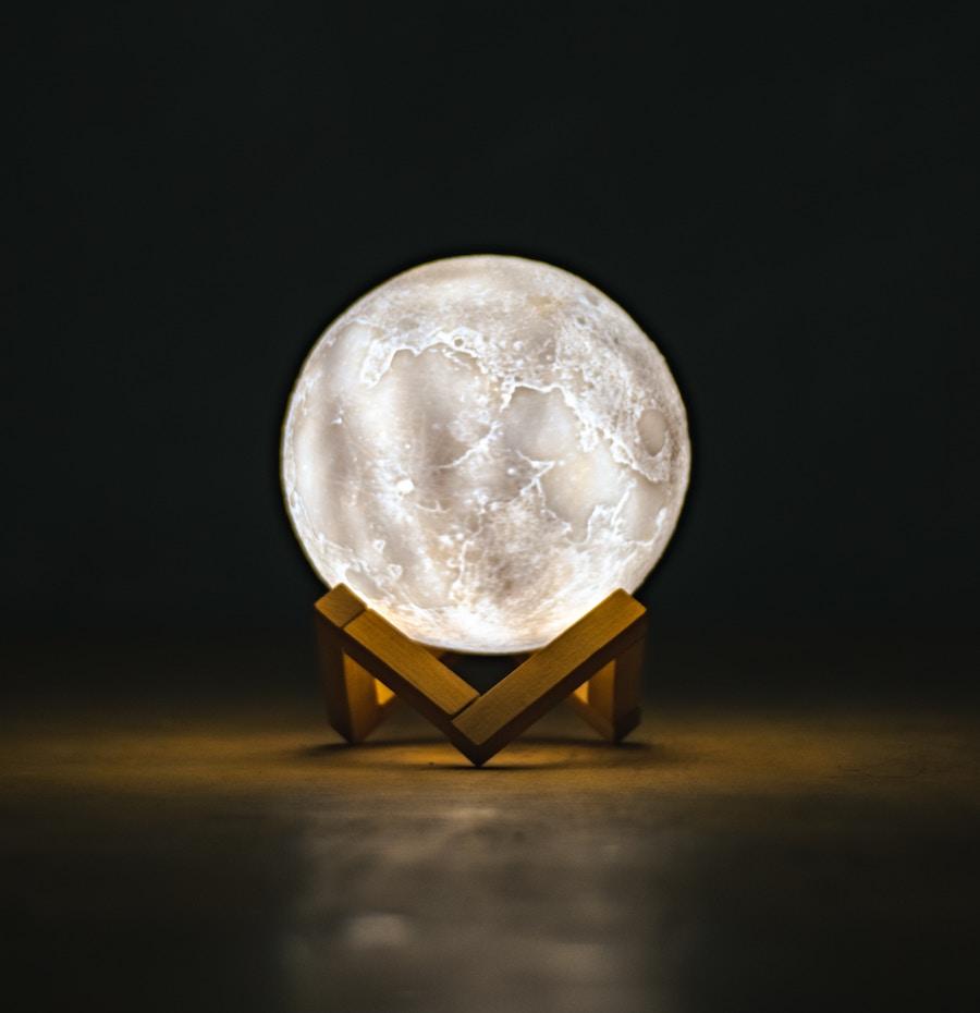 spådom-spåkula-som-lyser
